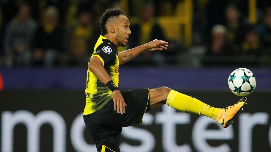 Dortmund Tak Suka Wenger Bahas Aubameyang