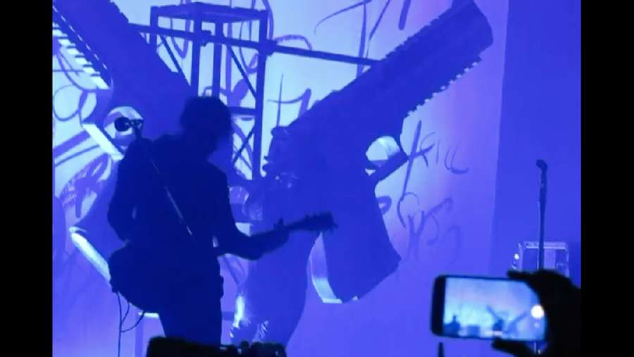 Detik-detik Rubuhnya Panggung Menimpa Marilyn Manson