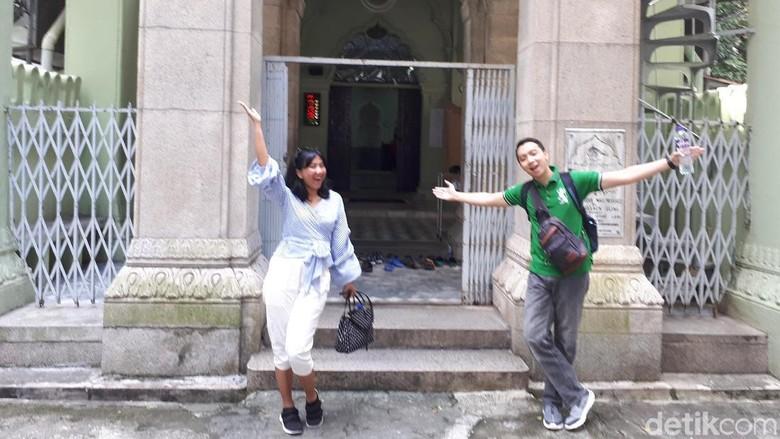 Pemenang dTraveler Goet to Hong Kong jalan-jalan di kawasan kota tua (Randy/detikTravel)