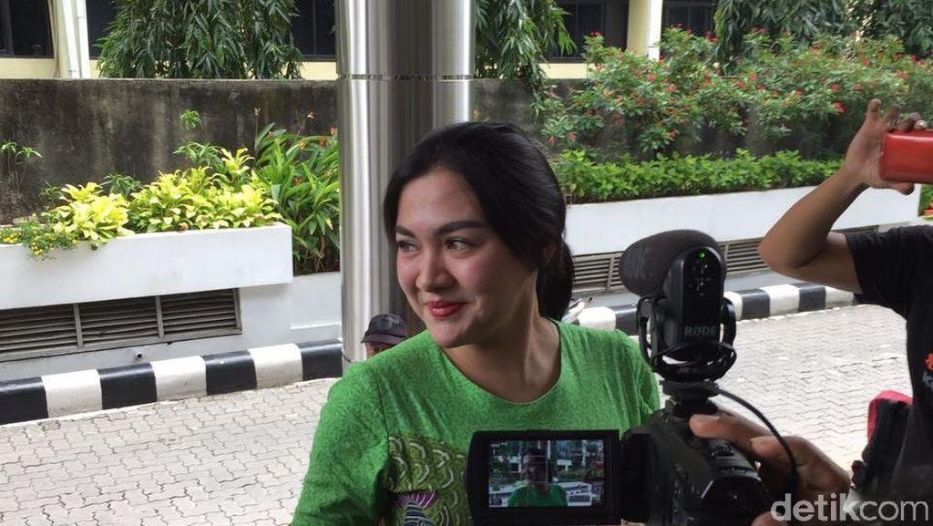 Usai Syahrini, Giliran Vicky Shu Diperiksa Kasus First Travel
