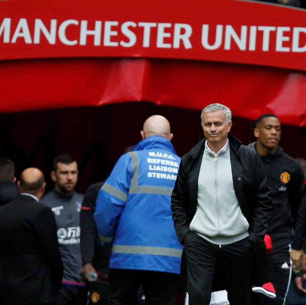 Mourinho Memang Takkan Pensiun di MU