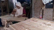Para Wanita di Balik Bertahannya Industri Ukir Jepara