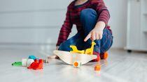 Manfaat Main Sembunyikan Mainan Bersama Anak
