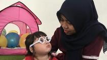 Cerita di Balik Kedekatan Gempi dan Baby Sitter-nya, Koneng
