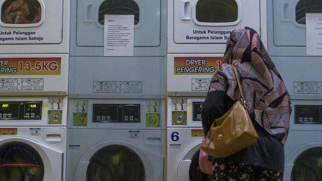 Ada Jasa Cuci Baju Khusus Muslim di Malaysia, Sultan Johor Geram