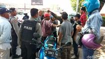 Gawat! Sopir Angkot Paksa Taksi dan Gojek Turunkan Penumpang