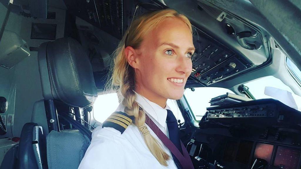 Foto: Cewek Cantik yang Jago Kemudikan Pesawat