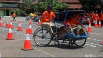 Begini Aksi Penarik Becak di Brebes Beratraksi Safety Riding