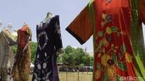 Penampakan 7 Baju Batik Raksasa di Pekalongan yang Bisa Bikin Kaget