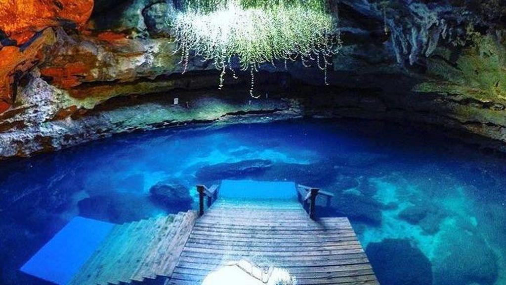 Foto: Diving di dalam Gua