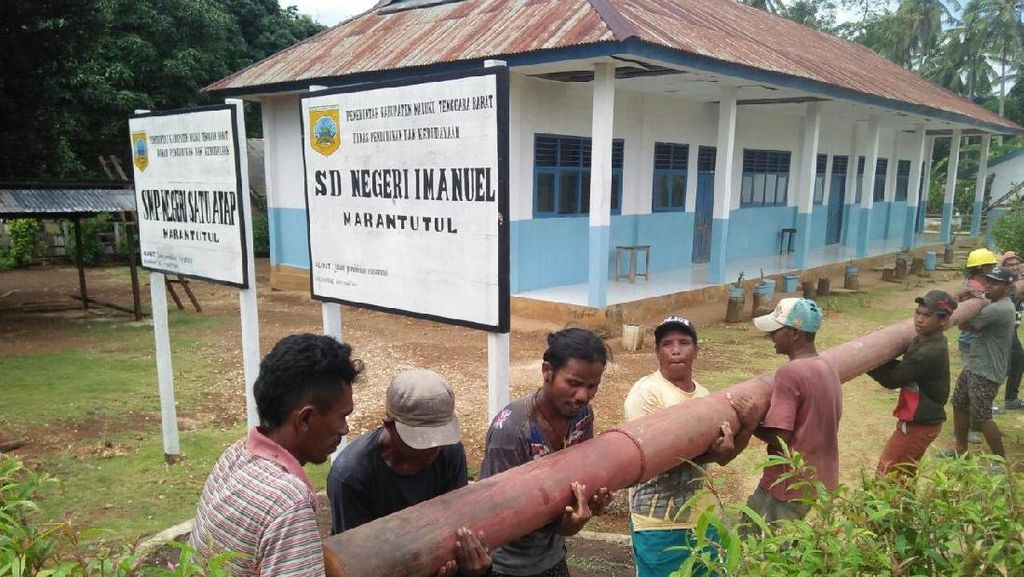 179 Desa di Maluku Terang Benderang Tahun Ini