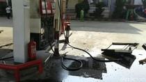 Cerita Sigapnya Petugas SPBU di Kalimalang Padamkan Api