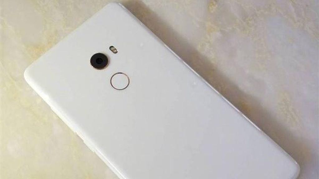 Bos Xiaomi Buka-bukaan Mi Mix 2 Putih