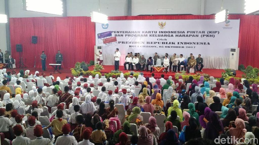 Jurus Macan Kemayoran dari Jumi Jola untuk Jokowi