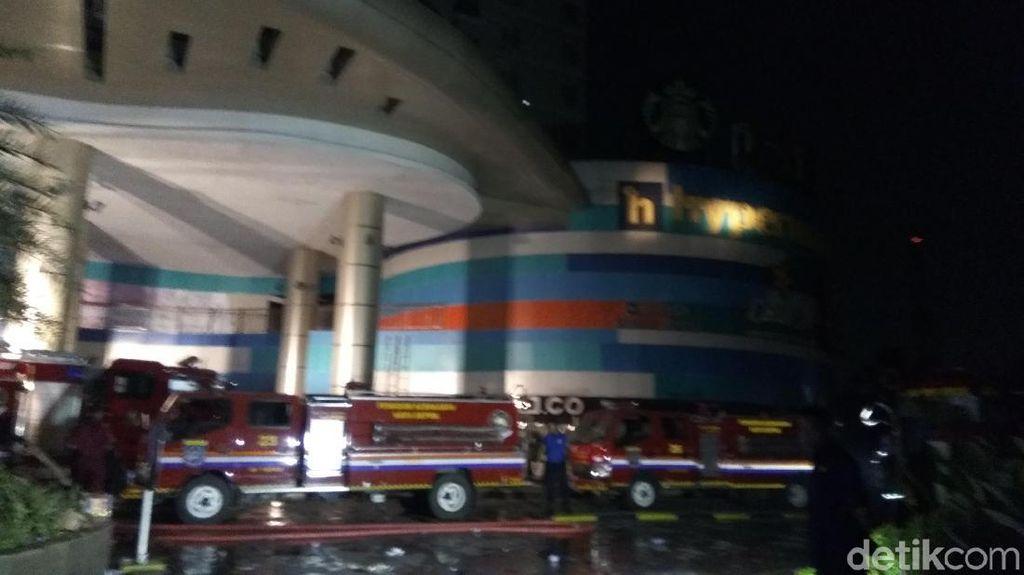 Sudah 24 Jam, Masih Ada Sisa Bara Api di Cinere Bellevue