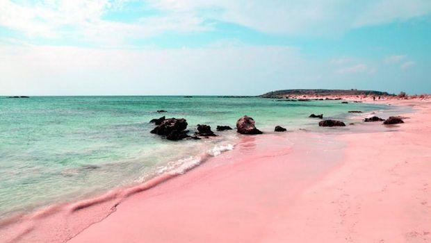 Pantai pink di Harbour Island (Youtube)