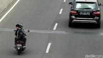 Pemotor yang Tak Kapok Lewat JLNT Kasablanka