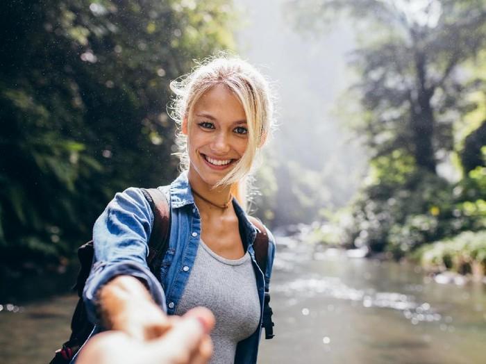 Beraktivitas di luar ruangan bisa membuat seseorang jadi lebih sehat. Foto: Thinkstock