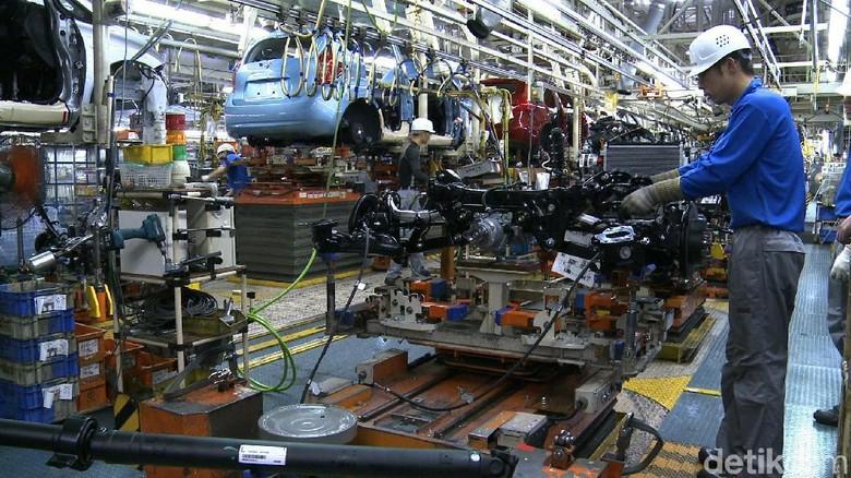 Menteri Jepang Sesalkan Teknisi Tak Bersertifikat di Nissan