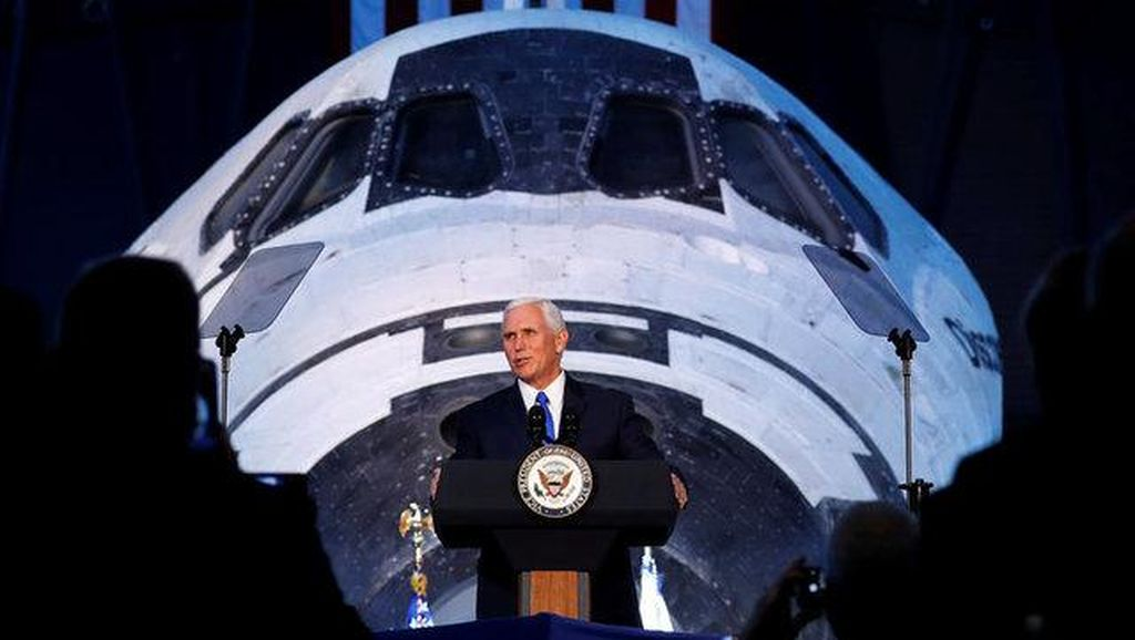 Wapres AS: Kami Mau Kembali ke Bulan dan Datangi Mars