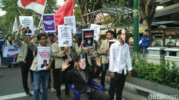 Aksi mahasiswa Yogya di Malioboro