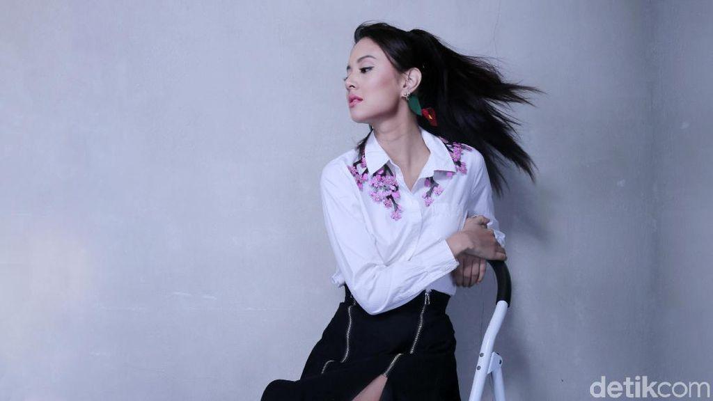 Celeb of The Month Bulan Ini, Aurelie Moeremans Semakin Matang di Usianya