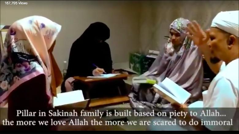 Potret Arifin Ilham Bersama 3 Istri Bidadarinya