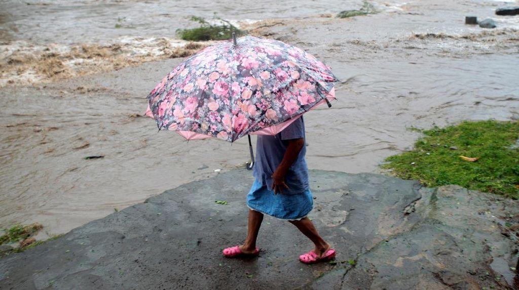 Hampir 90 Orang Tewas Akibat Badai Tropis Filipina, Puluhan Hilang
