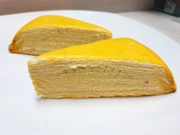 <i>Belah Doeren</i>: Legit Manis Mille Crepes dan Chewy Choux Isi Durian