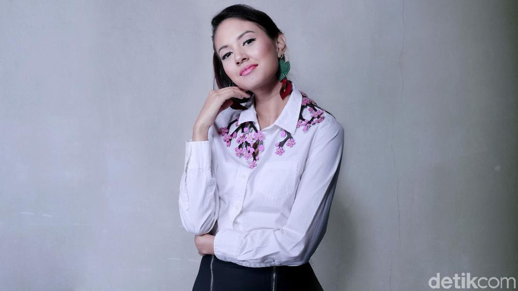 Seru Quick Question Bareng Aurelie Moeremans