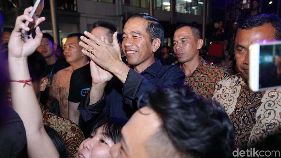Luna Maya Bicara soal Fotonya dengan Orangutan, Jokowi Nonton Synchronize Fest