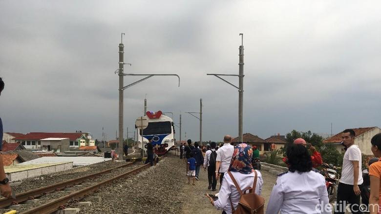 Proyek Kereta Bandara Soekarno-Hatta Rampung 25 November