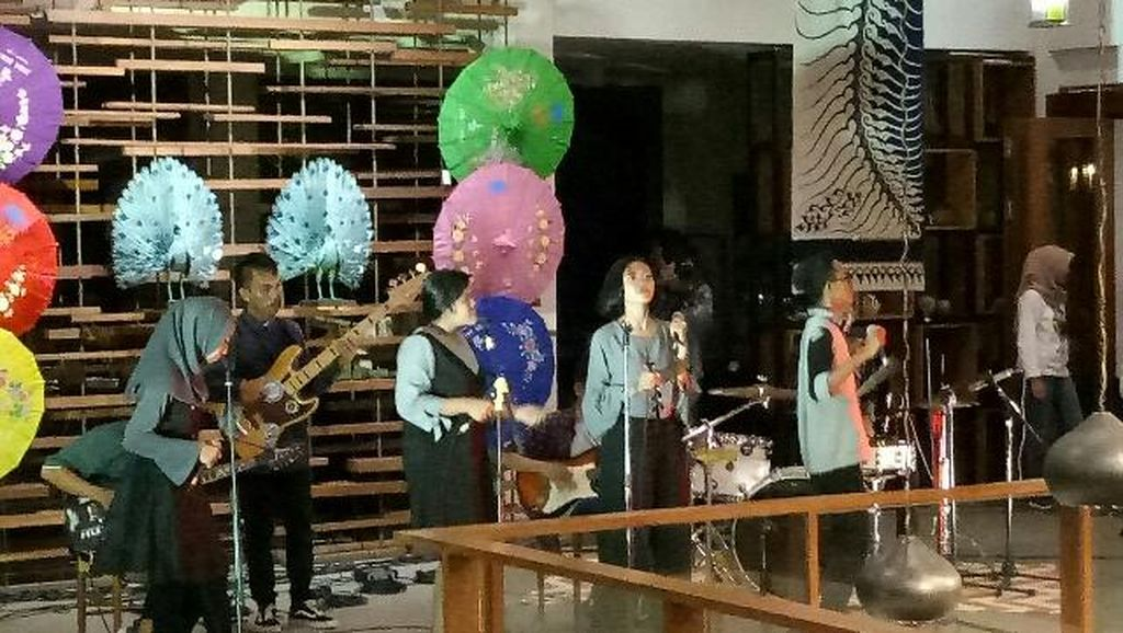 Diguyur Hujan, Ijen Summer Jazz 2017 Pindah ke Restoran