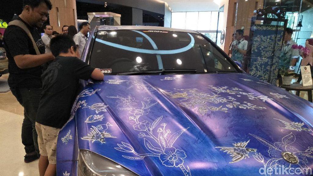 Membatik Mobil, Komunitas Mercedes-Benz Cetak Rekor Muri