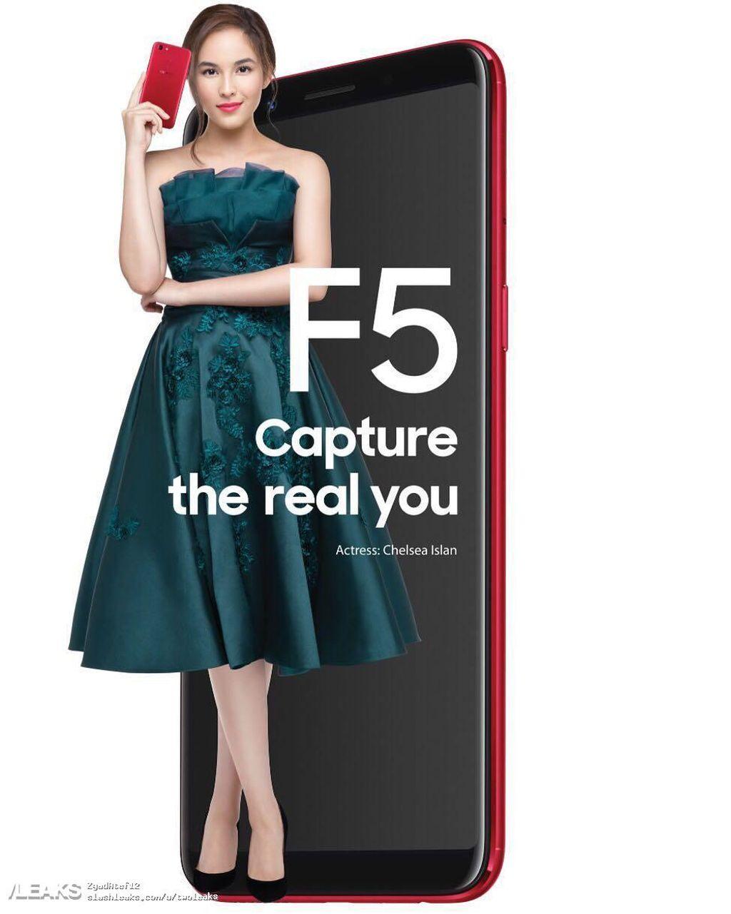 Poster ponsel Oppo F5 berwarna merah bersama Chelsea Islan. Foto: istimewa