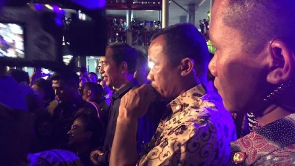 Jokowi Nonton Synchronize Fest 2017