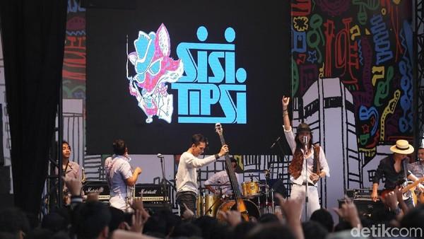 """Sisitipsi Buat """"Mabuk"""" Panggung Synchronize Fest 2017"""