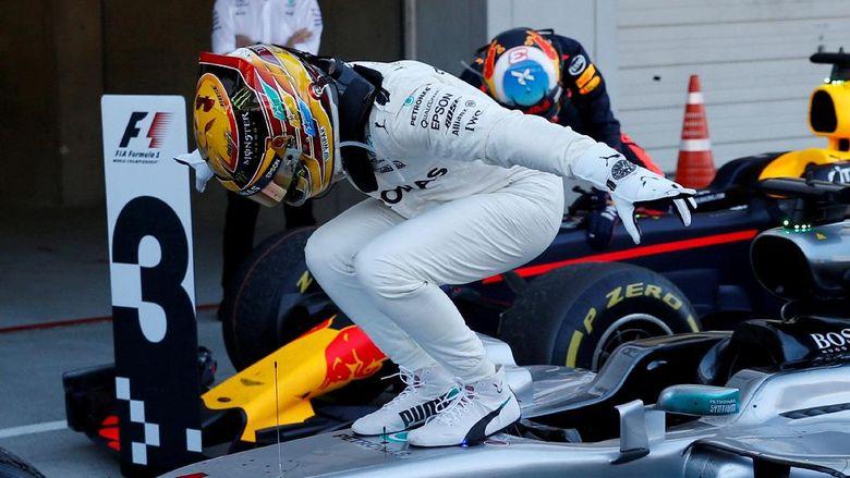 Unggul 59 Poin dari Vettel, Hamilton seperti Bermimpi