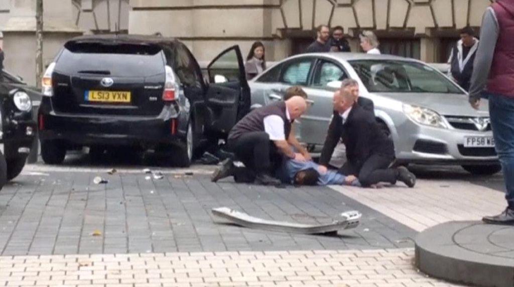 Polisi Bebaskan Sopir yang Tabrak 11 Pedestrian di London