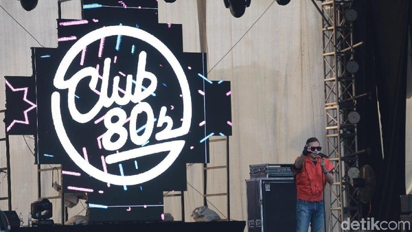 Berdansa Bersama Club 80s di Synchronize Fest 2017
