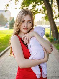 Kisah Pria China Gaet Istri Cantik Ukraina