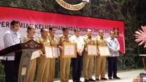 Menkum Beri Penghargaan untuk 29 Kelurahan Sadar Hukum