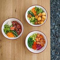 Yuk, Makan Malam Sehat dengan <i>Poke Bowl</i> di 4 Tempat Ini