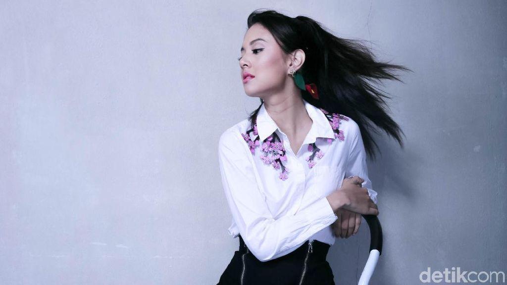 Seru! Cerita Aurelie Moeremans Kerja Bareng Hanung Bramantyo