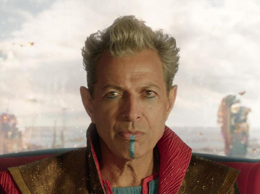 Jeff Goldblum Berikan Sinyal Kembali untuk Jurrasic World 2