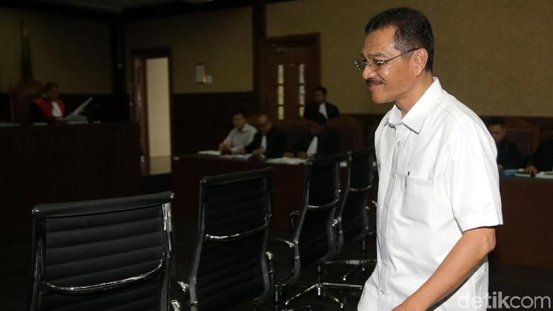 Gamawan Akui Pernah ke Singapura dengan Terdakwa e-KTP
