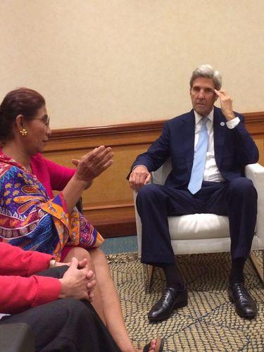 Eks Menlu AS Kerry Ingin Punya Tato Seperti Punya Menteri Susi
