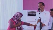 Saat Jokowi Dipukul Emak-emak yang Tak Lancar Sebutkan Pancasila