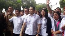 Jalan Kaki Diiringi Marching Band, HT Daftarkan Perindo ke KPU