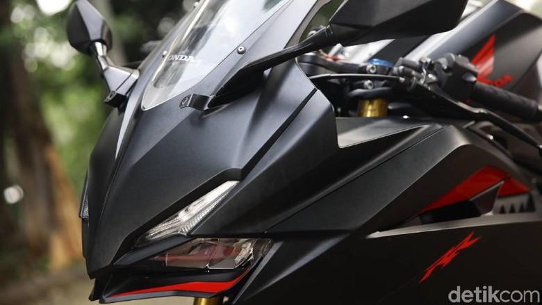 Mengajak Honda CBR250RR Ngebut di Jalanan Ibukota